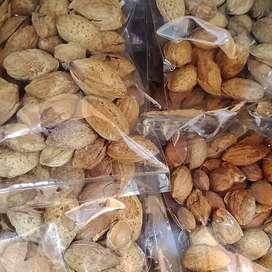 Dijual Kacang almond buat cemilan atau oleh oleh bisa