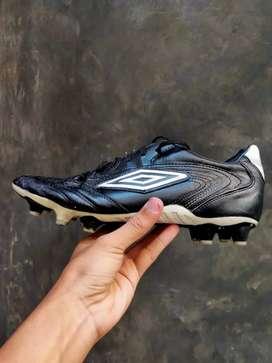 Sepatu bola Umbro diamond pro