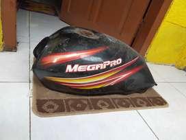 Tangki Mega Pro ( ORIGINAL bawaan sepeda )