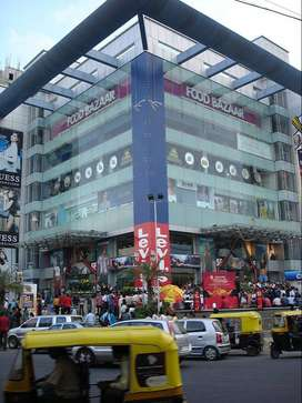 2200 sfi Showroom getting 1.4 laks rent for Sale - Shopping Complex