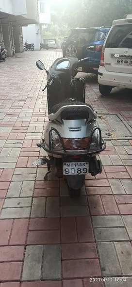 Activa single handed