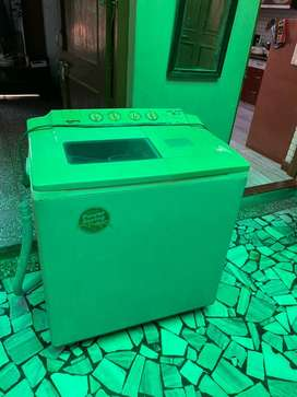 LG Semi Automatic 6 KG Washing Machine