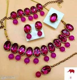 Women's kundan jewelry sets