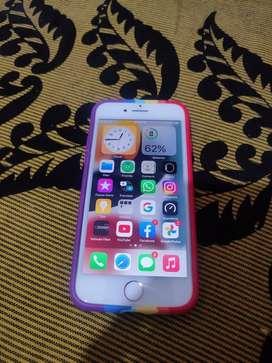I phone 7 32gb with box n chrgr orignal bill nhi h dubai varient