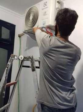 Jasa pompa air/pasang ac/servise ac/isi freon/cuci ac 24 jam respon