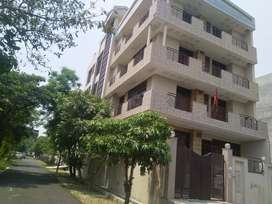 Fully furnished rooms available for rent,near by metro stations