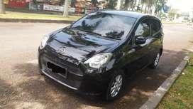 Dijual Daihatsu Ayla hitam matic type M km rendah