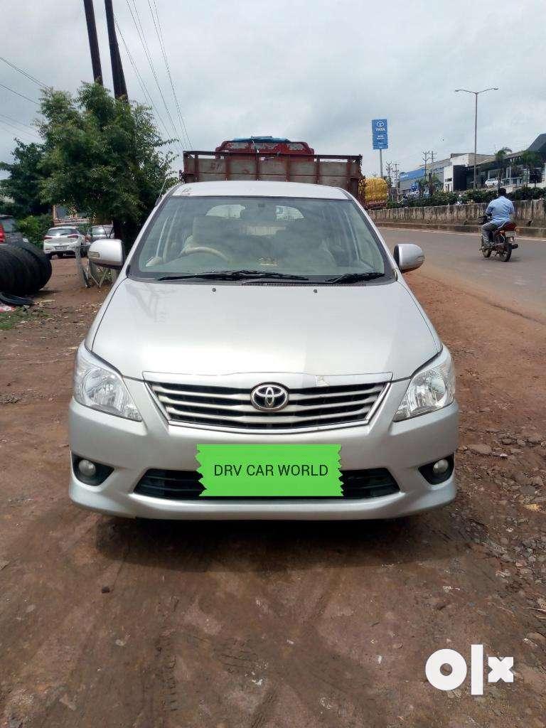 Toyota Innova 2.5 V 8 STR, 2012, Diesel 0