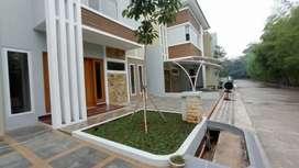 Rumah Baru Exclusive2 lantai dekat Tebet di Jakarta Timur