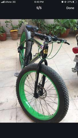 Fat tyre bicycle