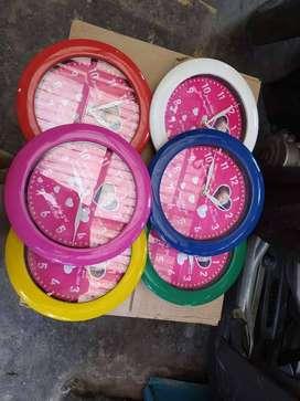Souvenir Jam Dinding Ulang Tahun KKN Plakat Seminar Kit Custom Desain