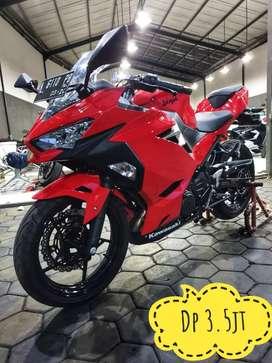 New Ninja 250 2019, Kilometer 500 Super Like New, Mustika Motoshop