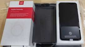 One plus 6t phone is available with all accessories bill box (certifie