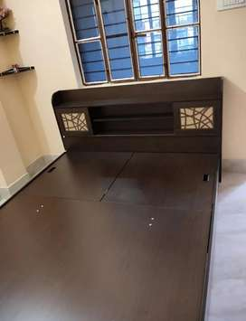 TV Samsung 55 inch bed and sofa good working urgent sell