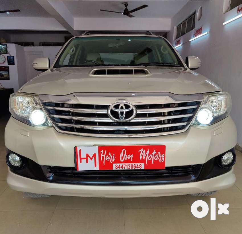 Toyota Fortuner 3.0 4x4 Manual, 2012, Diesel 0
