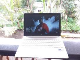 hp laptop for sale..