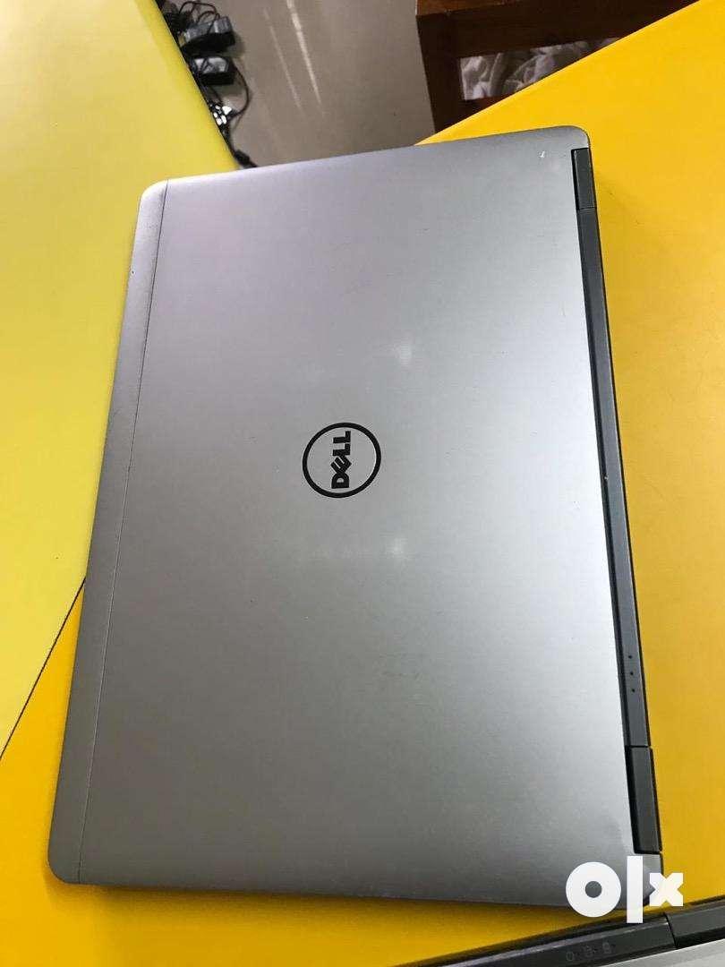 Dell ultraboook. Intel core i5. 250gb.  4gb 0