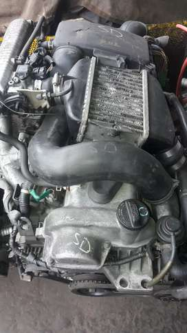 ye k 10 a ato gearbks engine hy 3 garey me pet hojatee hy one be vxr