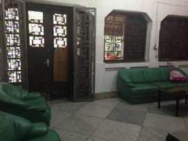 Rumah untuk usaha di jalan Gajahmada (OV)