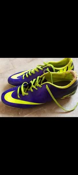 Mercurials purple volt studs