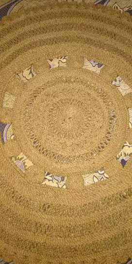 Hand made rug with jute work