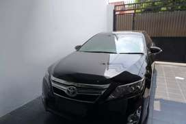 Mobil Toyota Camry Hybrid 2013 Istimewa