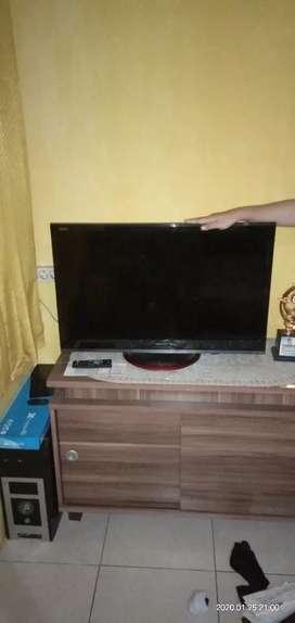 Jual TV Sharp LED 32 Inch (Kondisi Bagus)