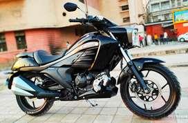 Suzuki Intruder (ABS)  Top Model