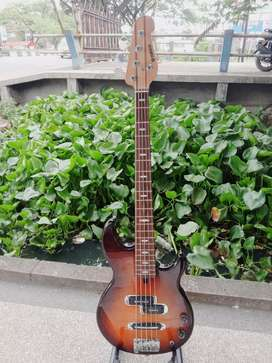 Bass Yamaha BB 425 sunburst original