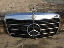 Original Mercedes Benz W123 Grill with AMG Touches