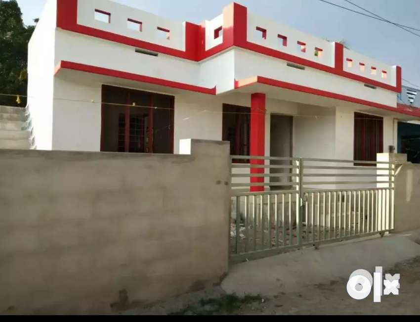2.bhk 750 sqft 3 cent new build house at edapally varapuzha neerikkod 0