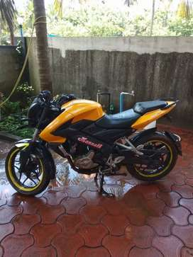 Good condition bajaj pulsar ns 200 urgent sale