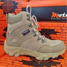 sepatu gunung adventure trekking/hiking/autdoor boots terlaris 7inc