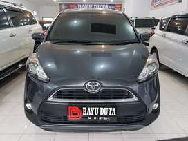 Dijual Toyota Sienta V A/T 2017 good condition