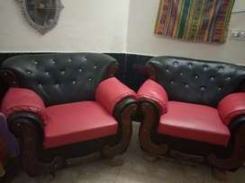 Sofa sat red and black