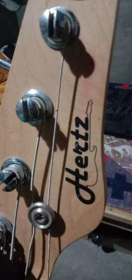 Bass guiter