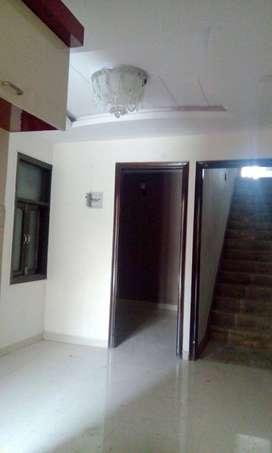 semi furnishad  floor in uttam nagar west