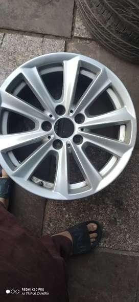 "F10 BMW 17"" Alloy wheel Set of. 4"