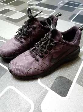 Nike kaishi run 2.0 size 42