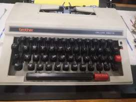 Vintage portable typewriter in very good condition
