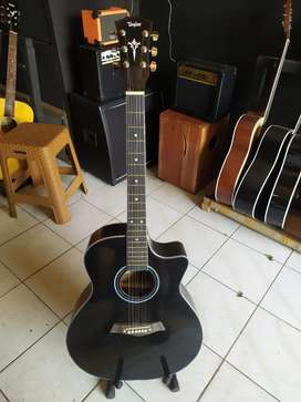 Gitar Akustik gloss