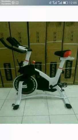 Sepeda fitnes besar spinning bike