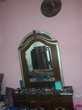 Showcase and dressing table good condition