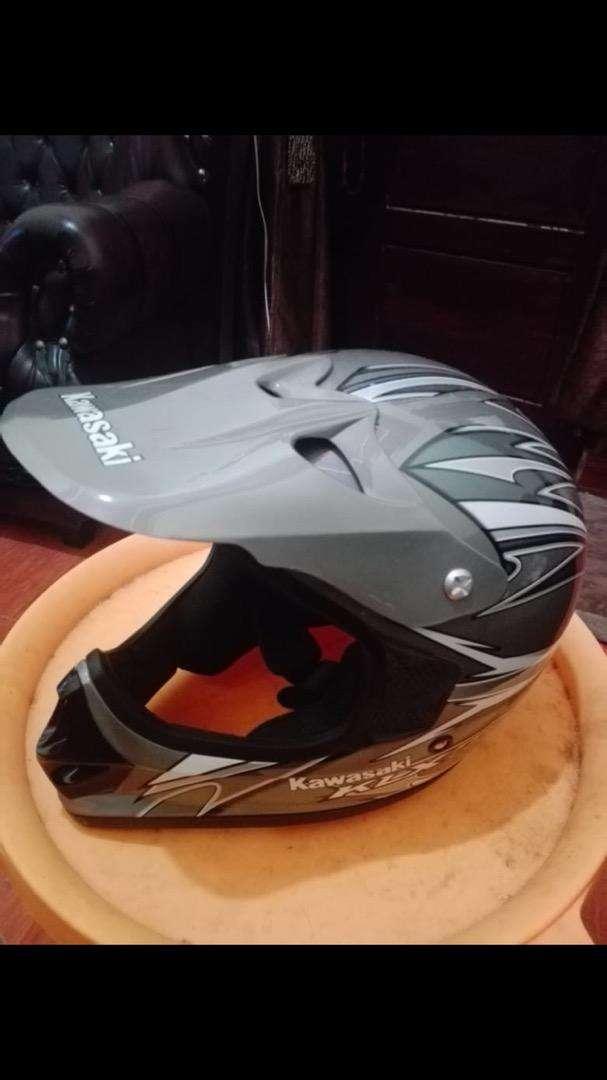 Helm Kawasaki KLX Bagus Mulus 0