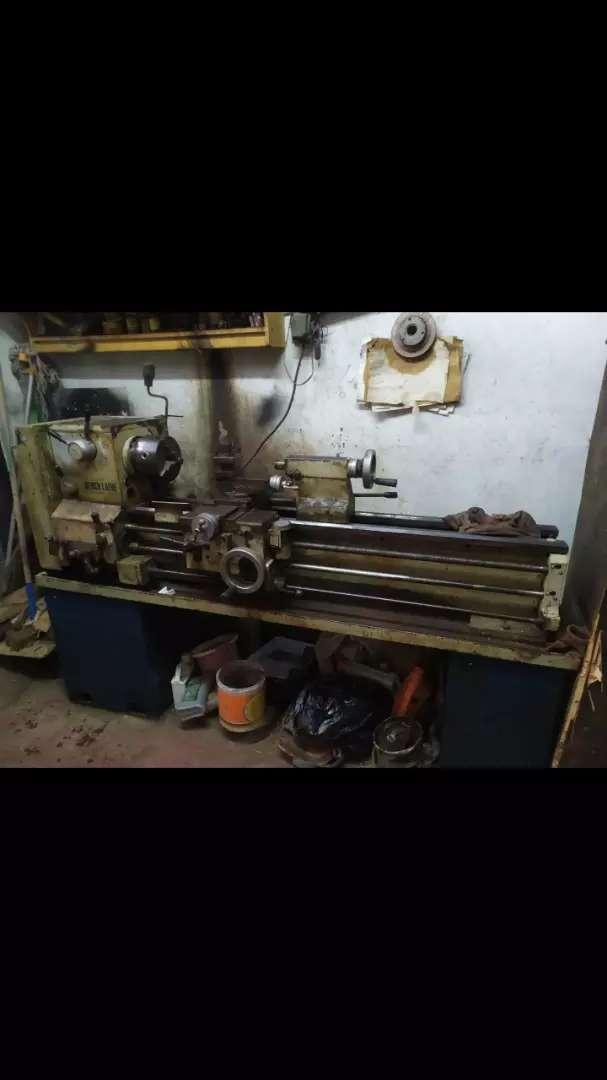 Mesin bubut bor fris milling
