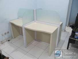 Meja Partisi Kantor 4 Staff Termurah ( Furniture Semarang )
