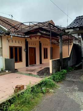 Rumah murah tanahnya luas di Minggiran Mantrijeron Yogyakarta