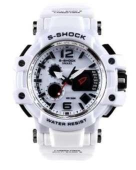 Di jual jam tangan merek Casio g shock model petak dan bulat