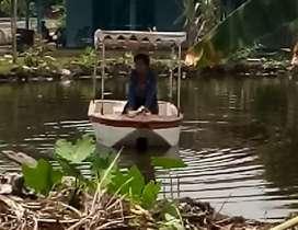 Perahu dayung fiberglass