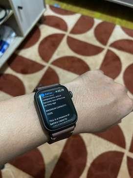 Apple Watch SE Nike 40 mm Space Gray Like New